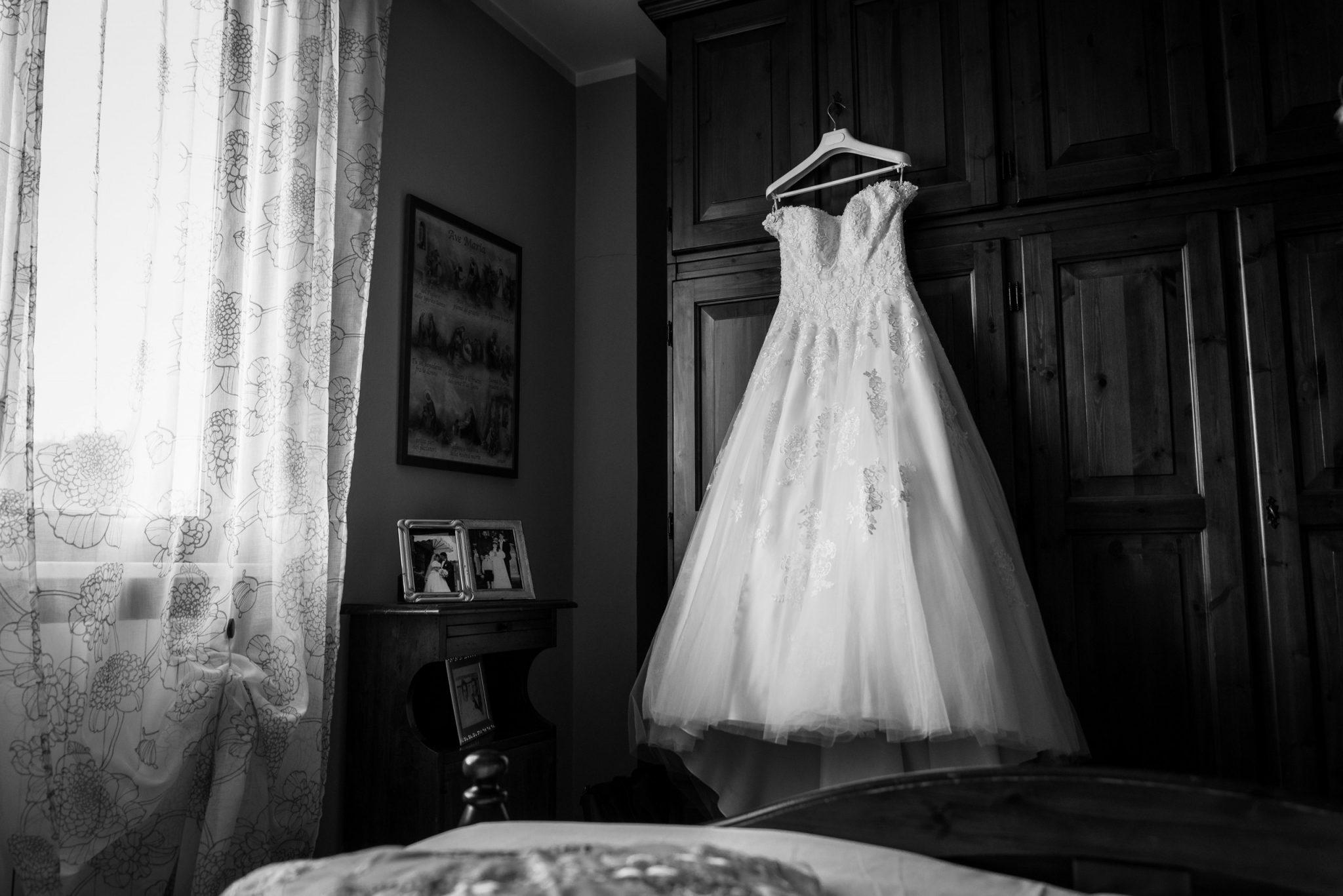 Vestito sposa in camera da letto
